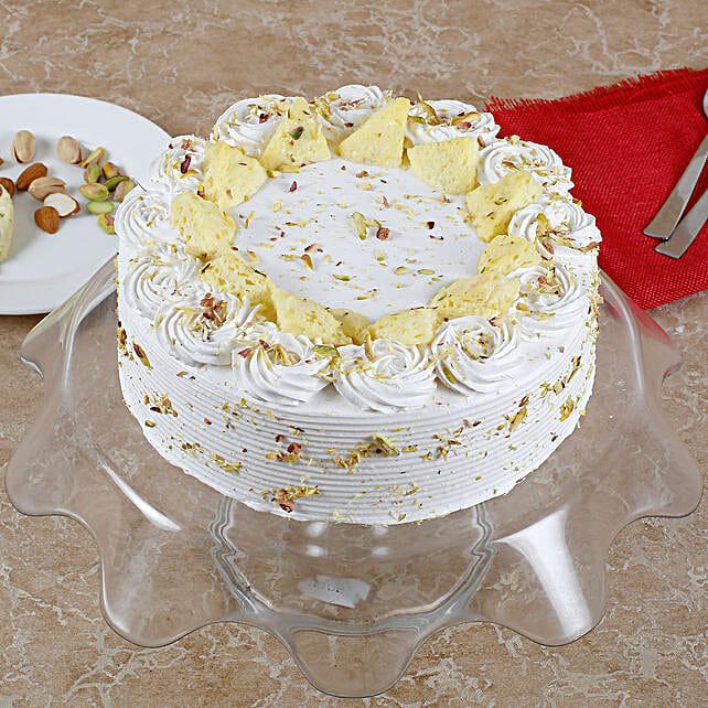 Vanilla Flavored Pista Rasmalai Cake: Buy Eggless Cakes