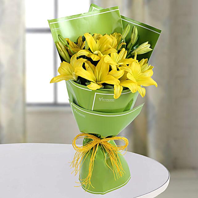Yellow Asiatic Lilies Bunch: Yellow Flowers