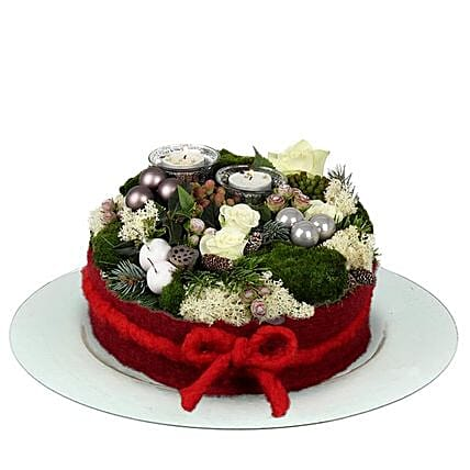 Christmas White Flower Cake: Christmas Gift Delivery in Netherlands