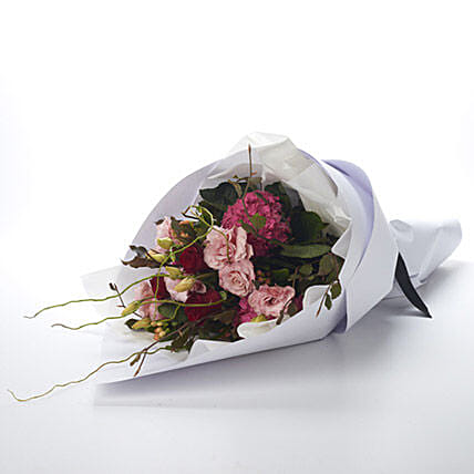 Blushing Love Bouquet: Congratulations Flowers to New Zealand