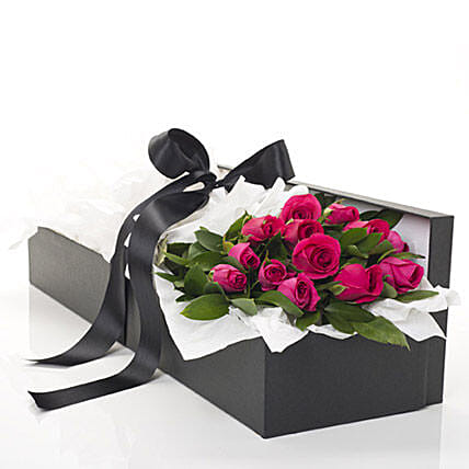 Pink Roses In A Box: Send Valentines Day Flowers to New Zealand