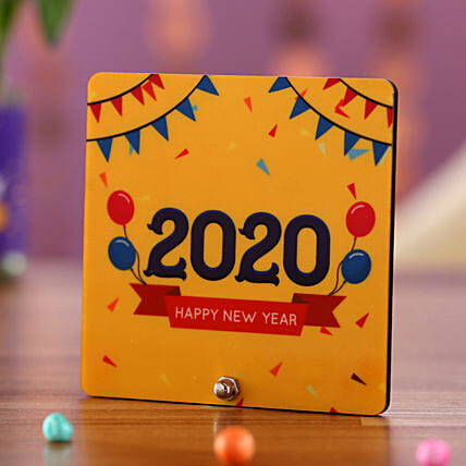 New Year Greetings Table Top: Send Corporate Gifts to Papua New Guinea