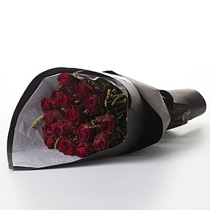 Splendid Bouquet Of Grade Red Roses: Birthday Flower Delivery in New Zealand