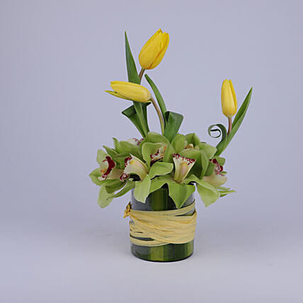 Elegant Floral Greetings: Send Thank You Gifts to Oman