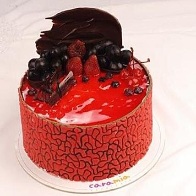 Berries And Vanilla Gelato Cake: Cakes to Davao City