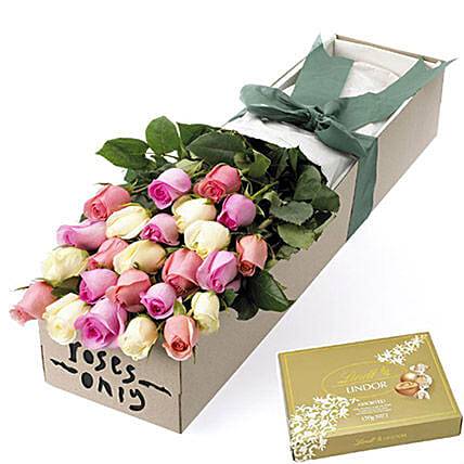 Rose Bouquet With Chocolates: Flower Bouquets