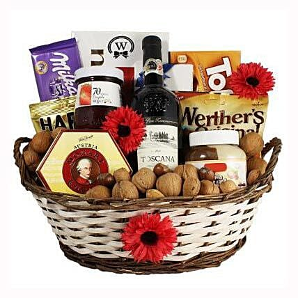 Classic Sweet Gift Basket: Send Corporate Gifts to Poland