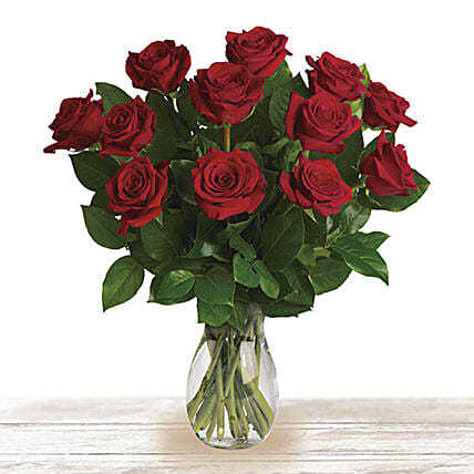 Red Classic Wonder: Send Rose Day Gifts to Qatar