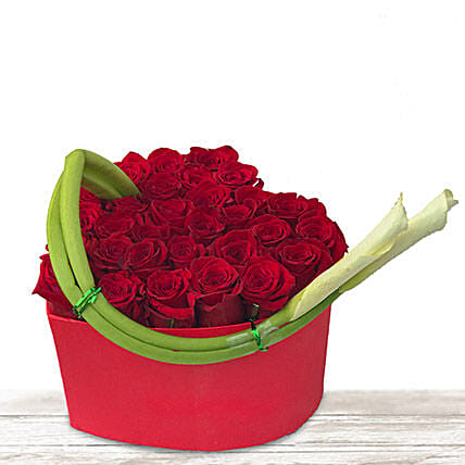 Spanish Charm: Send Rose Day Gifts to Qatar