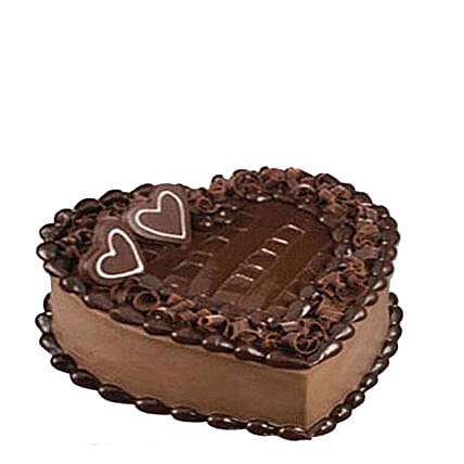 Tempting Heart Shaped Chocolate Cake: Mothers Day Cake Delivery in Qatar