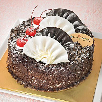 Yummy Black Forest Cake: Send Christmas Cakes to Singapore