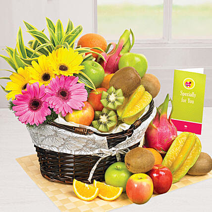 Sunshine Pleasure: Gift Baskets to Singapore