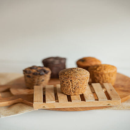 Wholemeal Banana Muffin: Send Christmas Cakes to Singapore