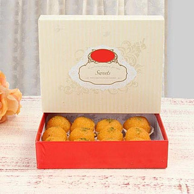 Delicious Motichoor Laddoo: Send Diwali Gifts to Singapore