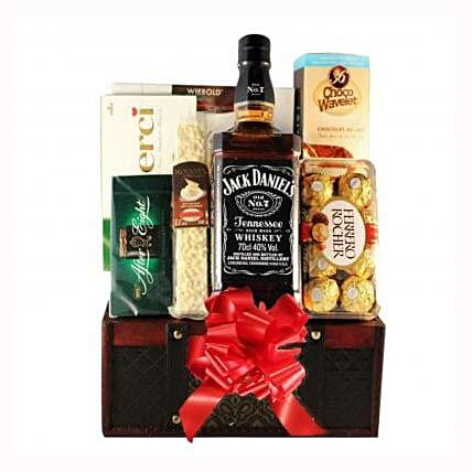 Jack Daniels Gift Basket: Christmas Gift Delivery in Poland