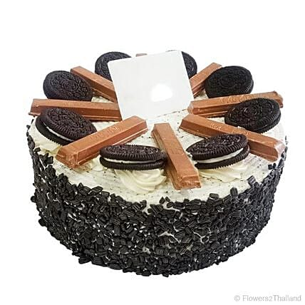 Delicious Oreo And Kitkat Cake: Valentine Cakes in Thailand
