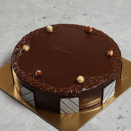 500gm Hazelnut Chocolate Cake: Half Kg Cake Delivery in UAE