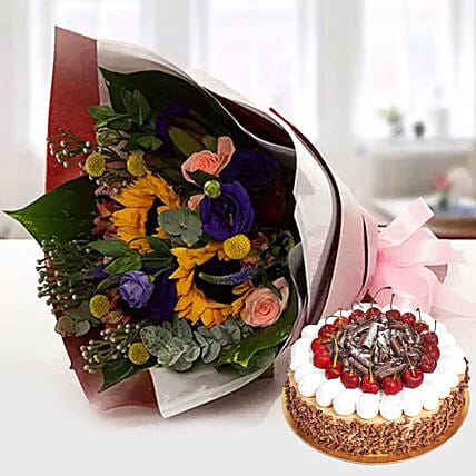 Alluring Flower Bouquet With Blackforest Cake: Send Valentine's Day Flower and Cake to UAE