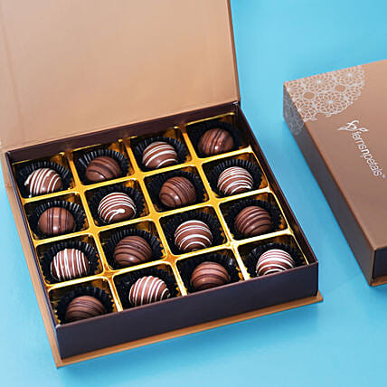 Box of Gourmet Chocolate: New Year Gifts to UAE