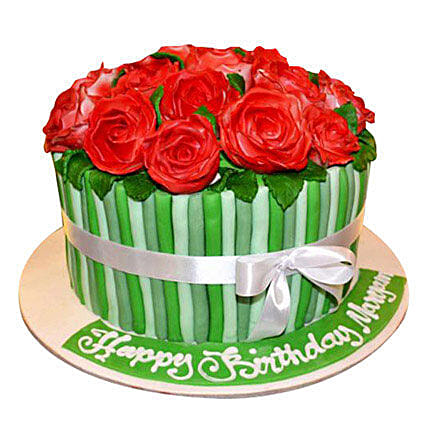 Bunch of roses Cake: New Year Cake Delivery in UAE