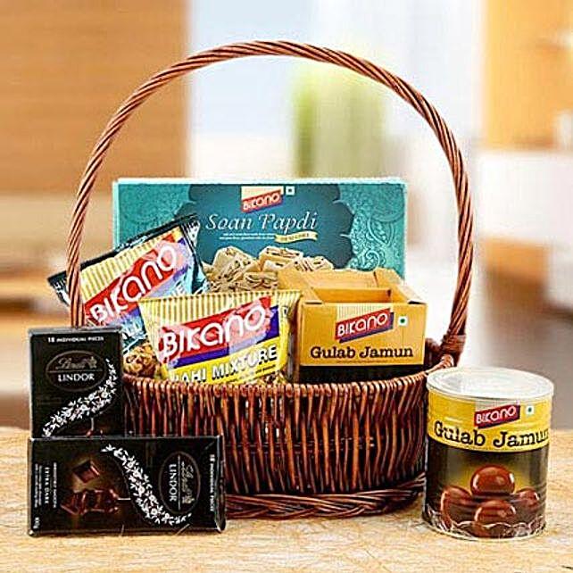 Charming Hamper of Love: Send Ramadan Sweets to UAE