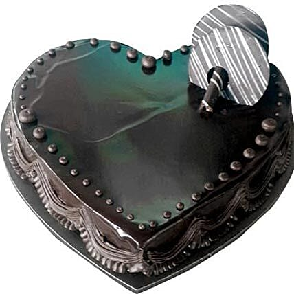 Chocolate Truffle Heartshape cake: New Year Cake Delivery in UAE
