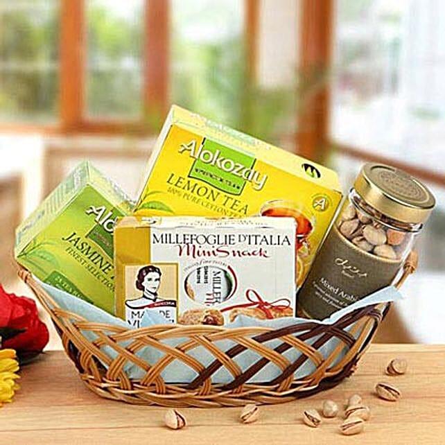 Delightful Surprise: Dubai Gift Basket Delivery