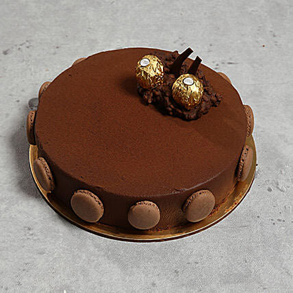 Ferrero Rocher Cake: Cake Delivery In UAE