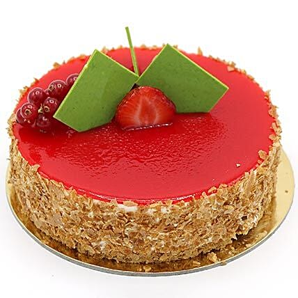 Flavoursome Strawberry Cheesecake: Send Cakes to UAE
