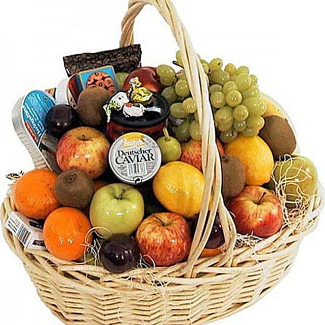 Full of Fruits: Eid Gift Baskets to UAE