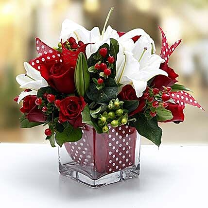 Night Before Christmas Bouquet: Same Day Rose Delivery in UAE
