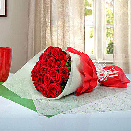 Show Ur Affection: Same Day Rose Delivery in UAE