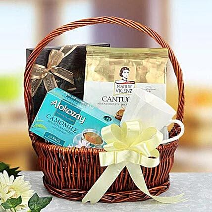 Simply Elegant: Gift Delivery in Sharjah