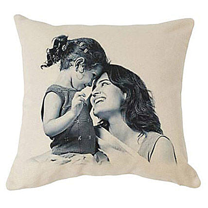 Team of Mom n Me: Mother's Day Cushions to UAE