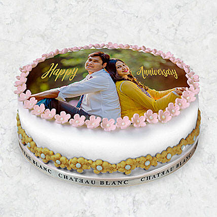 Round Photo Cake 10 Pax: Photo Cake Delivery in UAE
