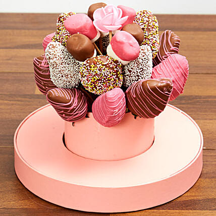 Strawberry And Marshmallow Arrangement: New Arrival Gifts to UAE