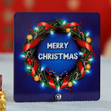 Xmas Wreath Design Table Top: Christmas Gift Delivery in UAE