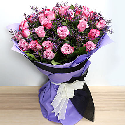 Dual Shade Purple Roses Bouquet: Send Womens Day Gifts to UAE