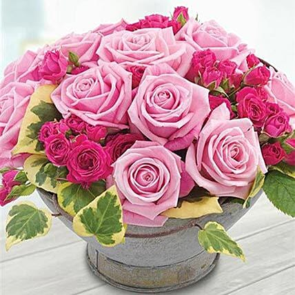 English Country Garden: Rose Day Gift Delivery in UK