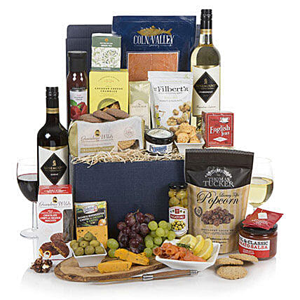 Food Lovers Feast: Send Wine Baskets to UK