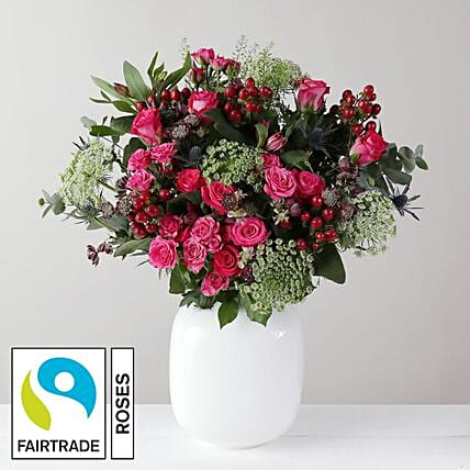 Beautiful Flower Bouquet: Send Valentines Day Gifts to London