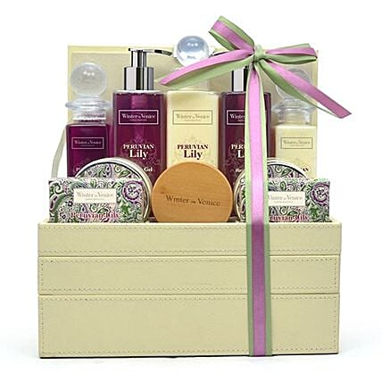 Jewellery Stacker Hamper: Cosmetics and Spa Hampers to UK