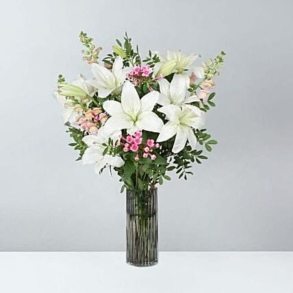 Blooming Lily Bunch: Send Flowers to UK