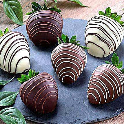 Dipped Chocolate Strawberries: Send Holi Gifts to USA