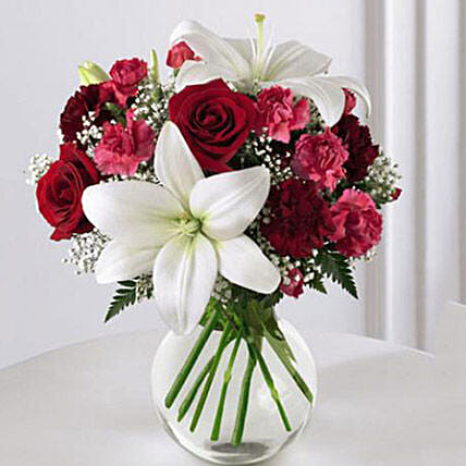 Enduring Romance Bouquet: Christmas Gift Delivery in USA