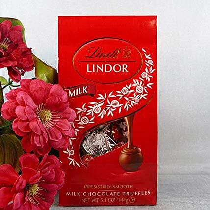 Lindt Milk Chocolate: Gifts Under 2000 in USA