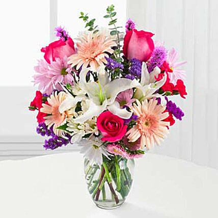 Peaches N Cream Bouquet: Send Mothers Day Flowers to USA