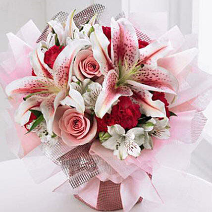 Starshine Bouquet: New Year Flowers to USA