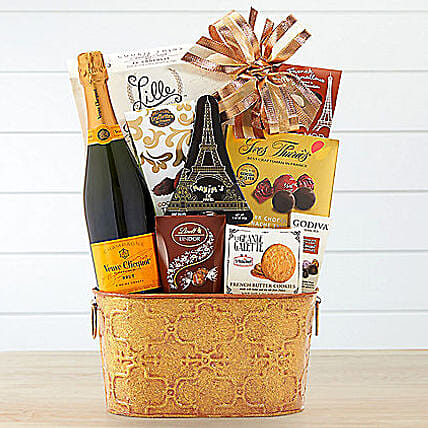 Veuve Clicquot Gift Basket: Christmas Gift Baskets to USA