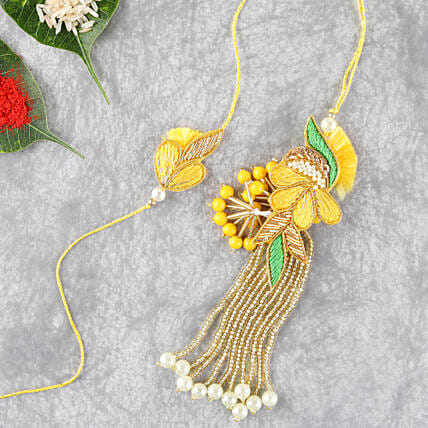 Bright And Beautiful Lumba Rakhi Set: Send Rakhi to Cincinnati